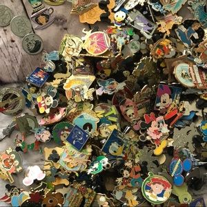 Jewelry - Disney pin mystery bundle